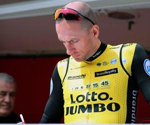 Jumbo-renner doet niet voort en hangt fiets aan de haak