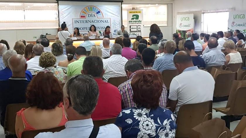 Las cooperativas almerienses se dieron cita en la empresa Cabasc por el Día Internacional del Cooperativismo. la voz