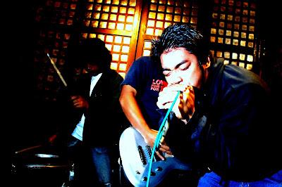 DSC_0792 - Field of Screams 1 rocks Martin's Bar (link) - Tagbilaran City - Bohol