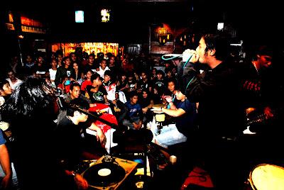 DSC_0811 - Field of Screams 1 rocks Martin's Bar (link) - Tagbilaran City - Bohol