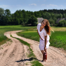 Countryside by Piotr Owczarzak - People Portraits of Women ( poland, lady, girl, village, summer )