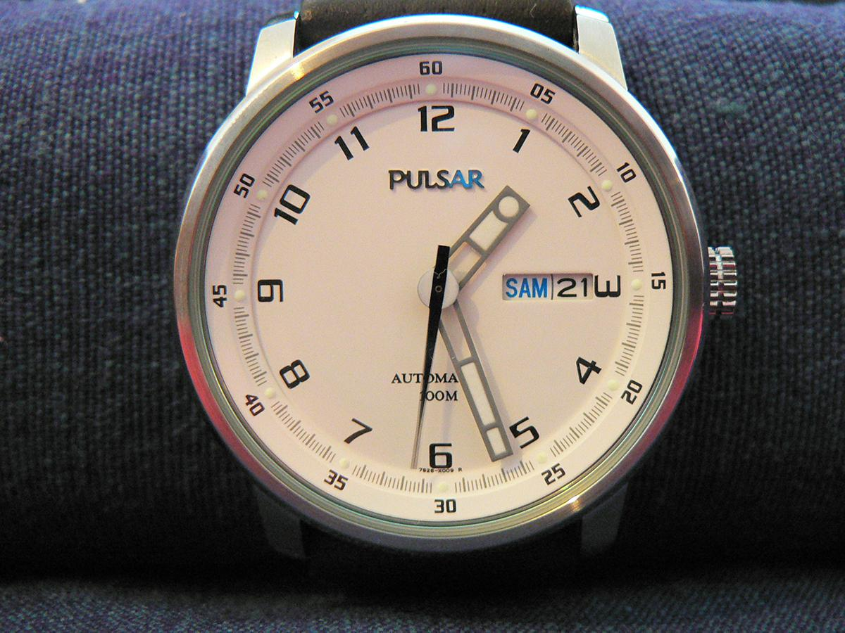 Automatic Watch, Pulsar Watch, Water-resistant Watch, Dive Watch, Date Display