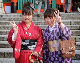Photo: Monet japanilaiset pukeutuivat kimonoihin nähtävyyksiä kierrellessään - kyse on kuitenkin kuulemma ns. turistikimonoista, ei aidoista, arvokkaista kimonoista