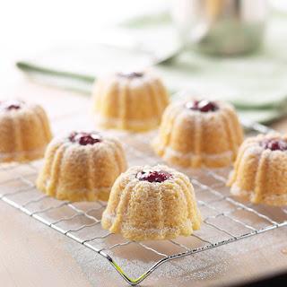 Raspberry Shortbread Cakes