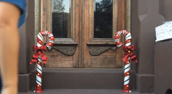 Add a unique twist to your Christmas decor this year by using some pvc pipes and tape!