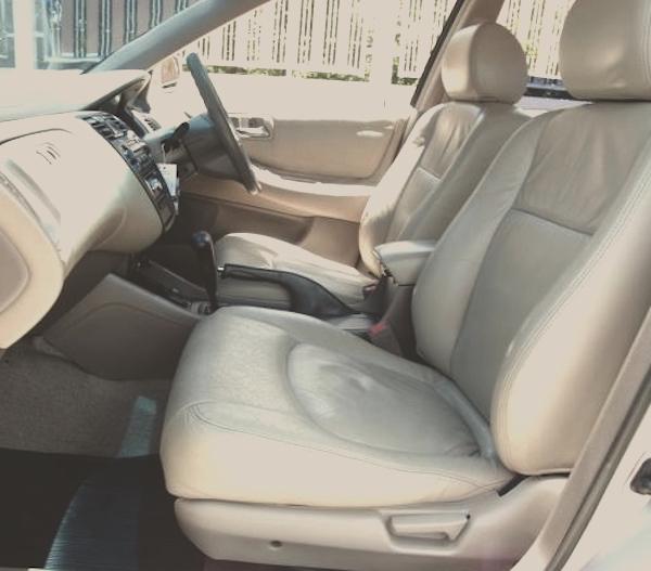 ซื้อ Accord G6 มือสอง สิ่งสำคัญคือการดูสภาพรถโดยรวม ทั้งภายนอกและภายใน