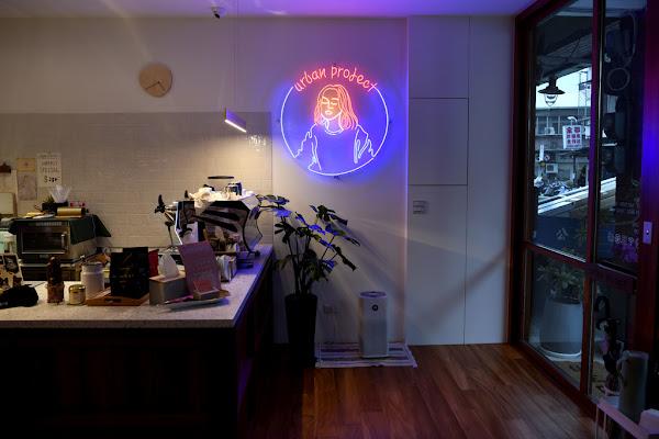 台北 Urban Project|打造咖啡洗衣空間,入夜來一趟台灣小吃巡禮。延三夜市