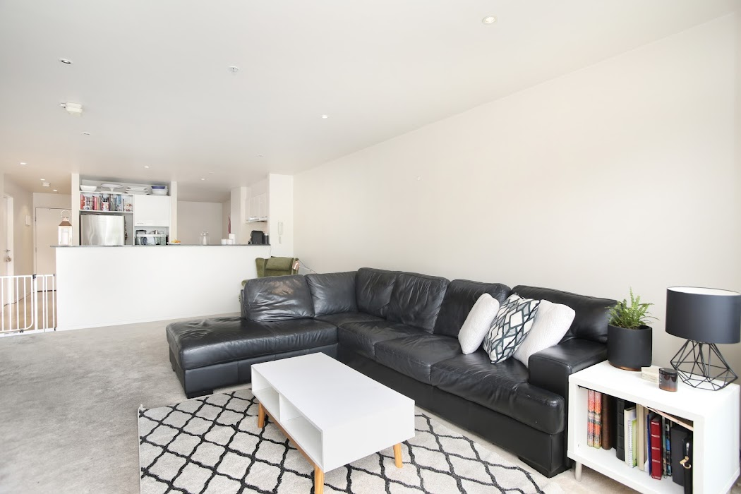 Main photo of property at 102/102-118 Camberwell Road, Hawthorn East 3123