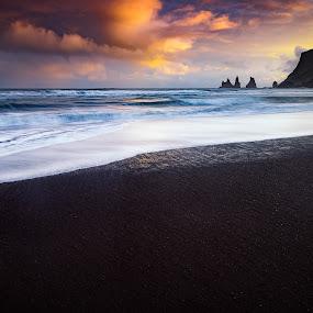 Reynisdragnar by Jon-Eirik Boholm - Landscapes Sunsets & Sunrises ( iceland, sunset,  )