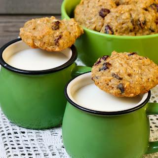 Gluten-Free Quinoa Cookies With Chai Tea Latte.