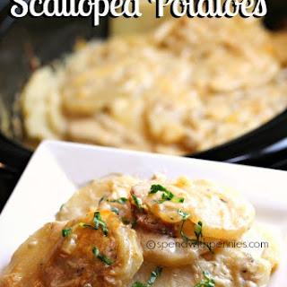 Slow Cooker Cheesy Scalloped Potatoes!.