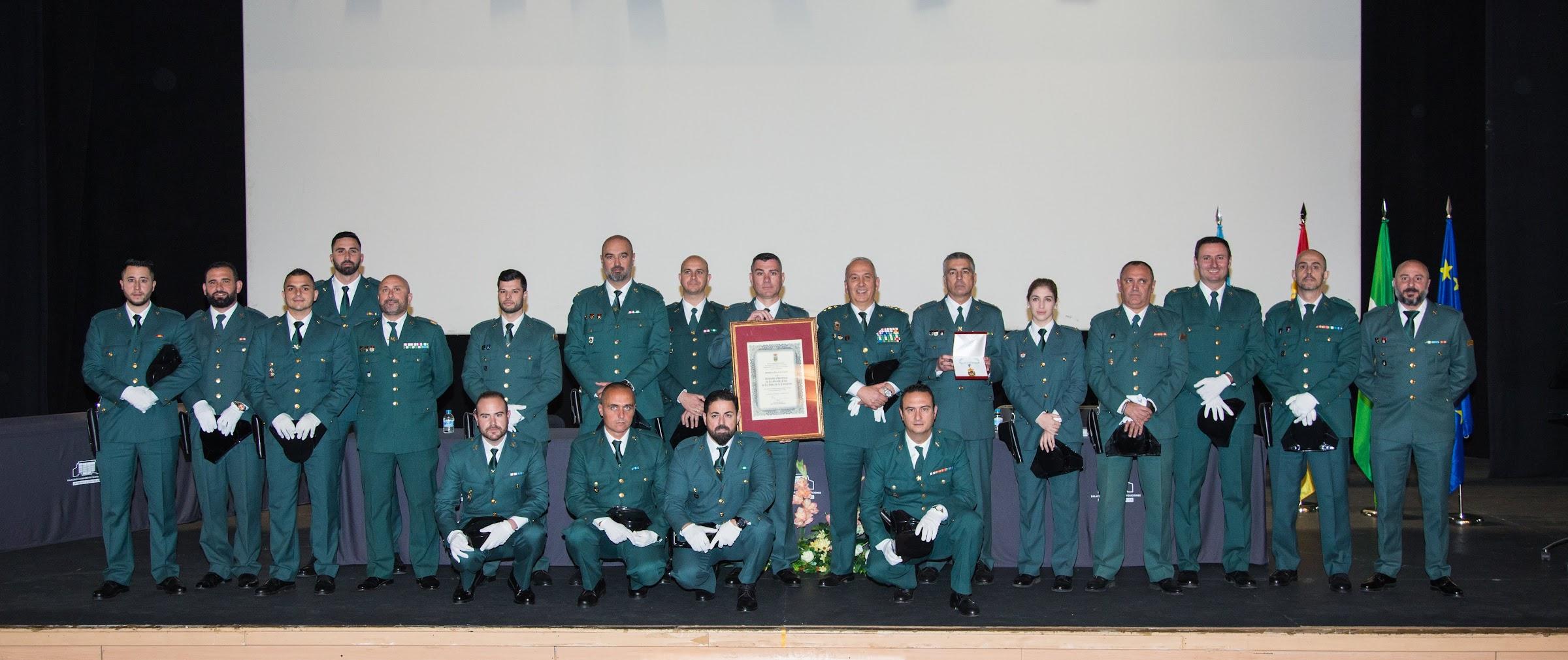 La Guardia Civil de La Línea recibe la Medalla de Oro de la Ciudad