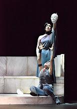 Photo: Wiener Kammeroper: LA CLEMENZA DI TITO. Premiere 13.4.2014. Inszenierung: Alberto Triola. Gaia Petrone, Cigdem Soyarslan. Copyright: Barbara Zeininger