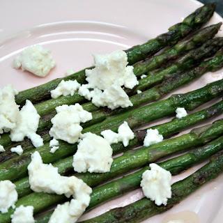 Keto Sauteed Aspargus with Goat Cheese Feta.