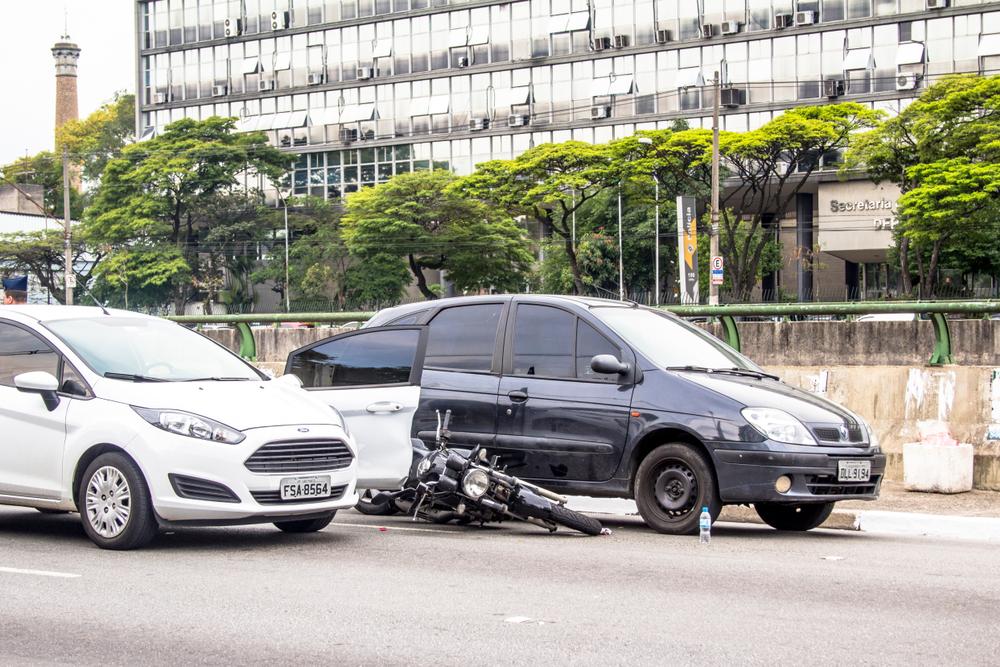 O Brasil é o quinto país com mais mortes no trânsito do mundo. (Fonte: Alf Ribeiro/Shutterstock)