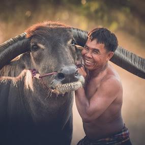 by Visoot Uthairam - People Street & Candids ( laos )