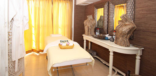 amalyra-spa.jpg - Sign up for a massage or other body treatments on your AmaLyra voyage.
