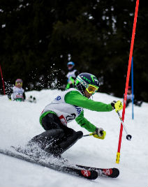 Kids race skis