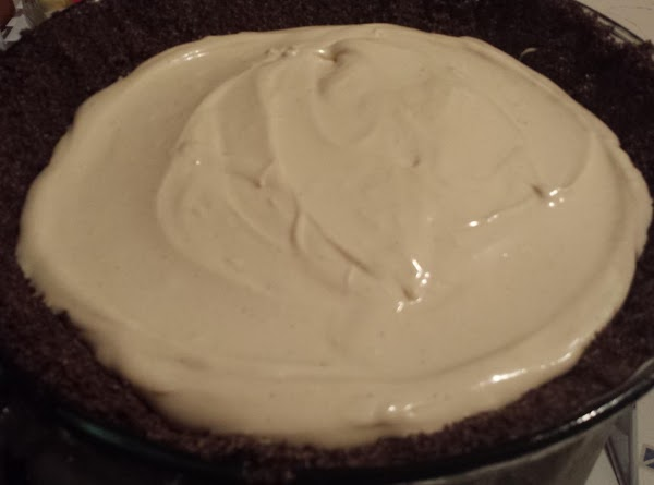 Mix cream cheese, powdered sugar, peanut butter and caramel sauce until well blended. ...