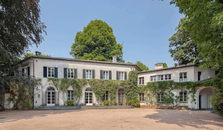Villa with garden and terrace Somma Lombardo