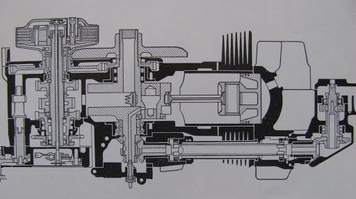 vue-en-coupe-du-moteur-de-la-norton-type-f-presente-par-machines-et-moteurs-le-specialiste-des-motos-anglaises-classiques