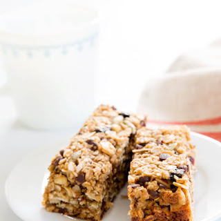 Chewy Homemade Granola Bar.