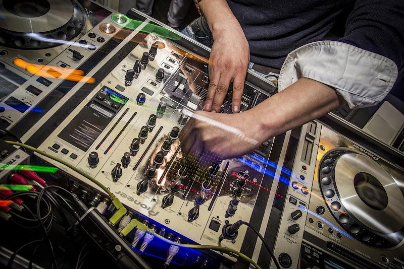 Disc Jokey di www.fotodavidediegodilevrano.com