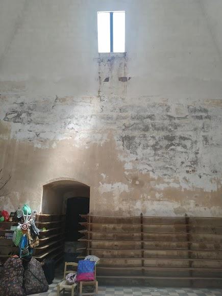 Sala del Gobernador que actualmente solo se utiliza por la compañía que realiza las visitas teatralizadas. Desde allí se accede al punto más alto de la Alcazaba