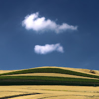 nuvole e terra di