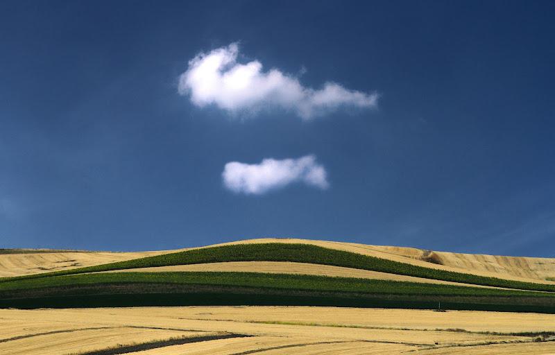 nuvole e terra di Princi Felice