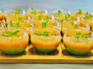 puree-de-petits-pois-et-veloute-de-carottes
