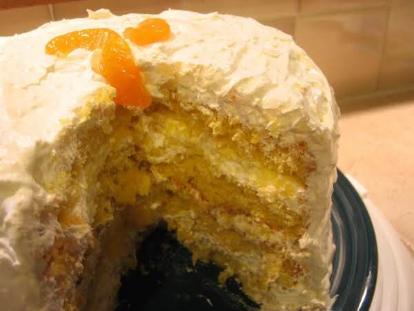 Aunt Carolyn's Mandarin Orange Cake