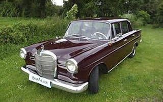 Mercedes-Benz 190 C Rent Sicilia