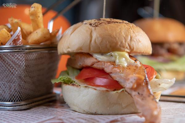 林口美食推薦》Eat enjoy 意享美式廚房 林口三井店 – 寵物友善餐廳 平價美味的美式餐點