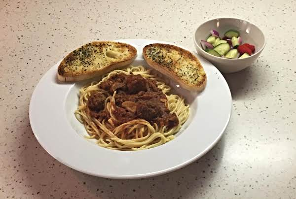 Spaghetti Sauce With Summer Salad & Butter Garlic Basil Ciabatta Bread