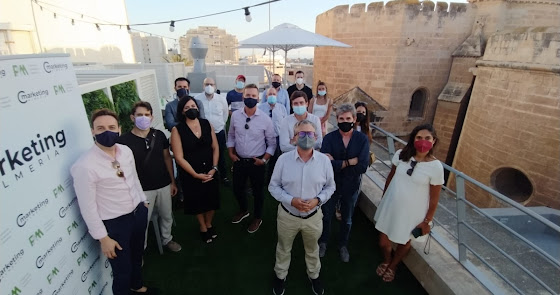 El Club de Marketing inaugura 'De terraza en terraza' con Briseis