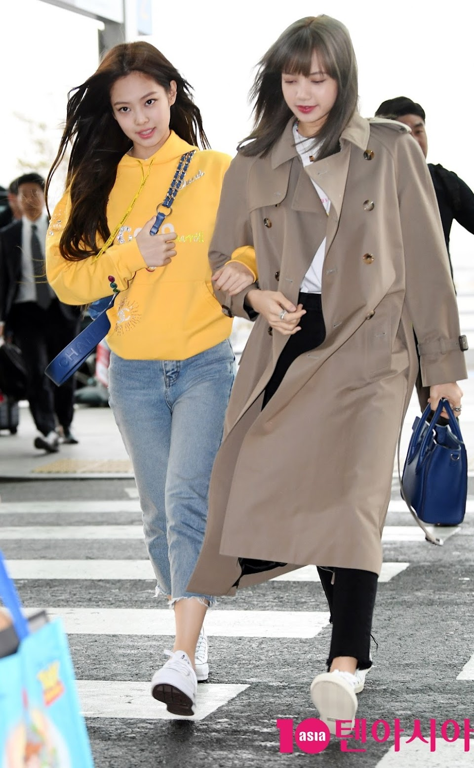 4-BLACKPINK-Jennie-airport-Photo-9-April-2019-Incheon-to-Thailand