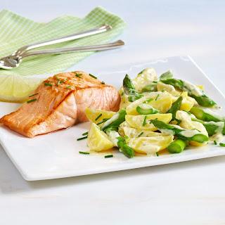 Lachsfilet mit Spargel-Kartoffel-Salat