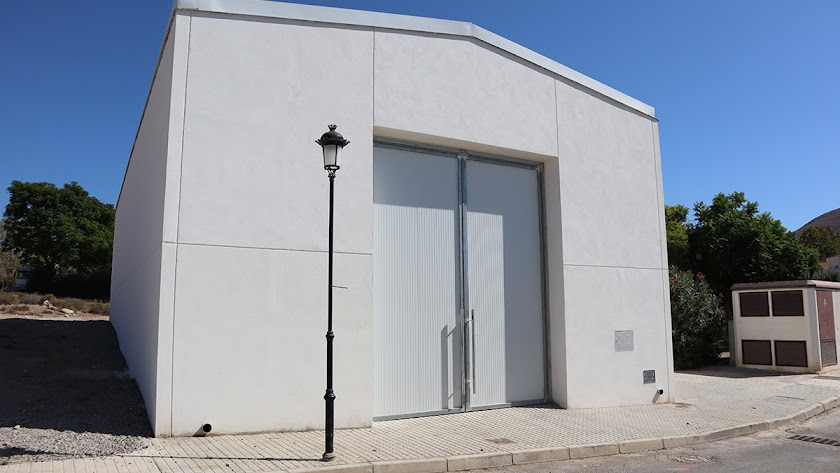 Edificio del centro social ubicado en Benejí.