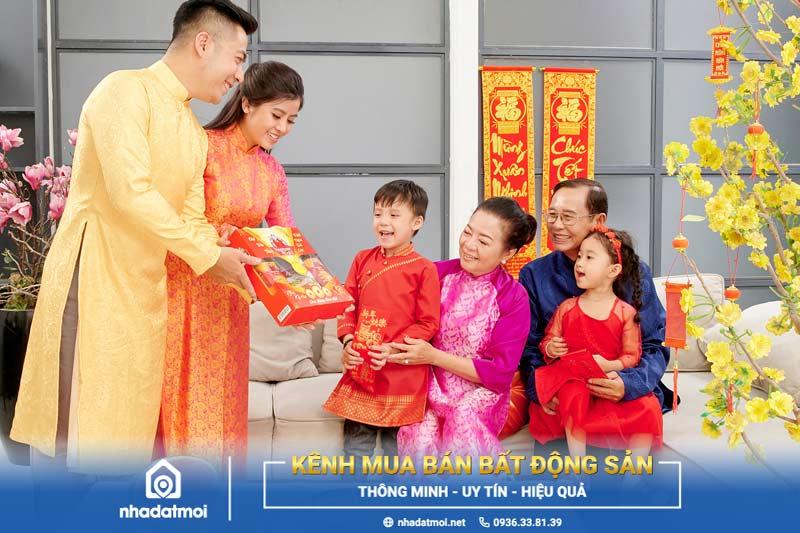 Chúc Tết đầu năm là phong tục đẹp của người Việt
