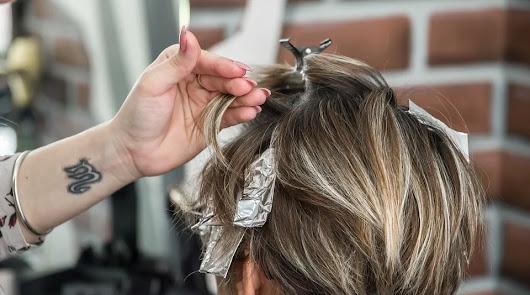 ¿Puedes ir a la peluquería o a un centro de estética después de las 18h?