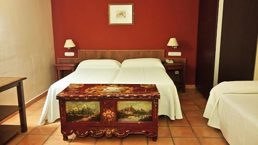 Hotel: Family Room