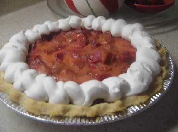 Creamy Rhubarb Pie Recipe