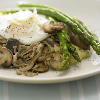 Soft Polenta with Asparagus, Mushrooms and Egg.