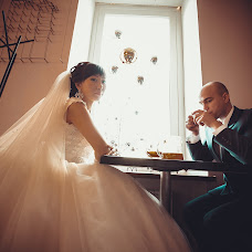 Wedding photographer Oleg Bespalov (Aledgan). Photo of 04.04.2014