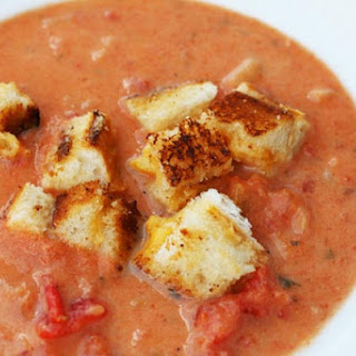 Creamy Garlic Tomato Soup With Grilled Cheese Croutons