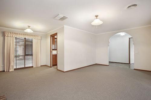 Photo of property at 28 Rozzy Parade, Narre Warren 3805