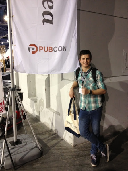 Photo: Dylan Thomas getting a quick snap in on the first morning of Pubcon Las Vegas