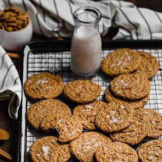 Paleo and Vegan Almond Butter Cookies.