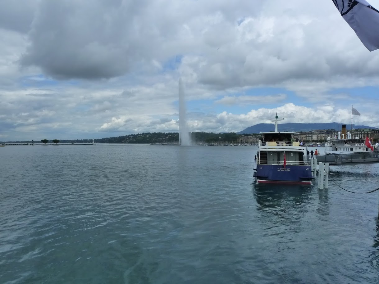 Geyser on Lac Leman, Geneva, Switzerland (July 2011)